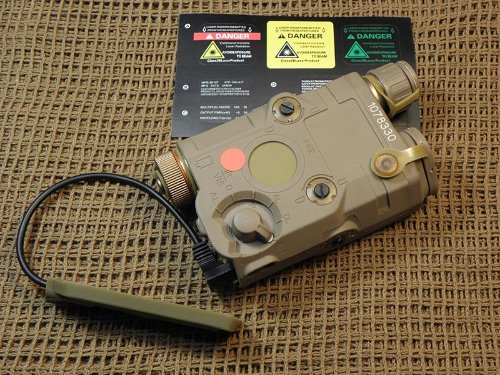 FMA AN-PEQ-15 LED White light + IR / Red laser with IR 'FDE' ( Upgrade Version )